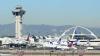 Panică pe aeroportul din Los Angeles! Pasagerii au luat-o la fugă atunci când au auzit un zgomot puternic