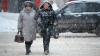 (VIDEO) Astăzi a nins la Briceni şi Edineţ, iar din cauza vântului două localităţi din ţară au rămas fără curent electric