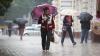 Nu uitaţi umbrelele acasă. Meteorologii anunţă ploi puternice în toată ţară, însoţite de vânt