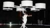 Lady Gaga şochează din nou! Vedeta a apărut pe scenă într-o rochie zburătoare