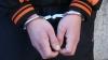 Un tânăr a fost încătuşat de poliţişti după ce i-ar fi înjunghiat pe cei patru oameni, arşi în incendiul de la Floreşti