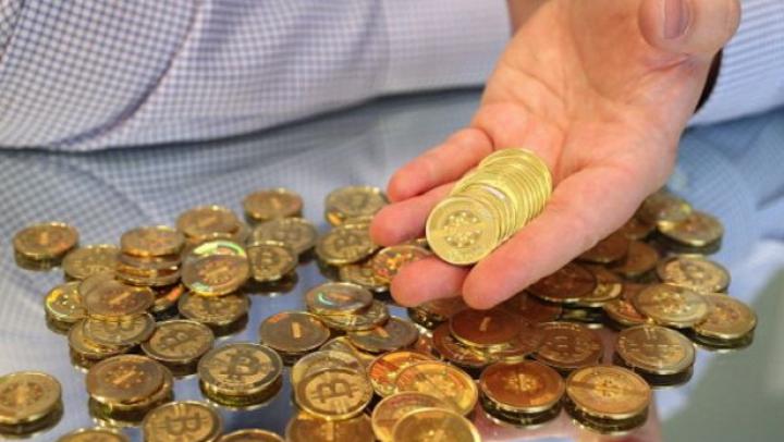 Cine stă în spatele creşterii fulminante a banilor digitali
