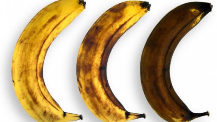 UIMITOR: Ce se întâmplă dacă mâncăm banane cu coaja neagră