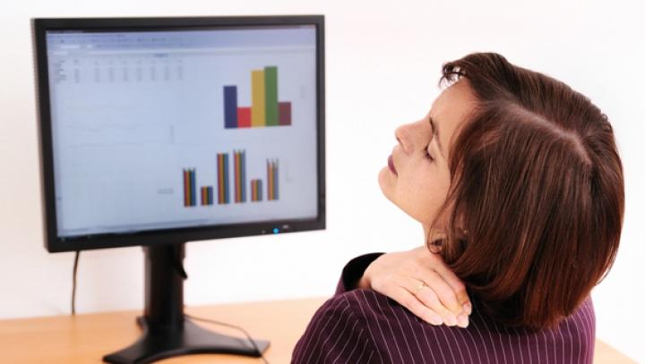 Obiceiuri proaste care provoacă dureri de spate