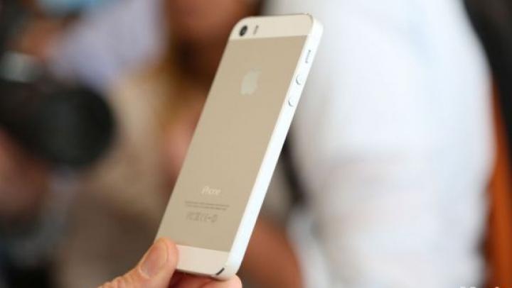 O parte dintre utilizatorii de iPhone 5S s-ar putea simţi obligaţi să îşi schimbe telefoanele