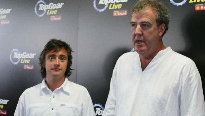 Realizatorii emisiunii Top Gear, amendaţi cu o sumă usturătoare şi lăsaţi fără permis de conducere în Franţa
