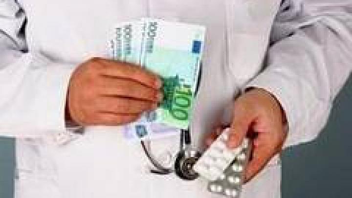 Vor să prevină corupţia. Ministerul Sănătăţii şi CNA vor evalua factorii de risc ce favorizează plăţile informale din sistemul sanitar