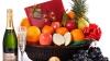 Spumantul şi fructele exotice, nelipsite pe masa de sărbătoare IATĂ PREŢURILE