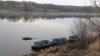 Peste 30 de butoaie cu alcool etilic, descoperite pe malul râului Nistru. Ce urma să aibă loc la frontiera moldo-ucraineană (FOTO)