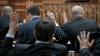 Noi legi anticorupţie! Judecătorii vor primi salarii mai mari, iar funcţionarii care vor pica testul de integritate profesională vor fi demişi