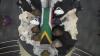 Nelson Mandela a fost înmormântat în satul său natal, alături de părinţi şi trei dintre copiii săi (VIDEO)