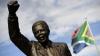 La Pretoria a fost dezvelită o statuie gigantică a lui Nelson Mandela
