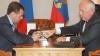 YotaPhone-ul rusesc vrea să devină un concurent pentru iPhone. Medvedev se declară încântat