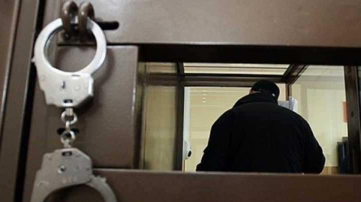 Un bărbat din Căuşeni şi-a maltratat soţia şi a încercat să o omoare. Judecătorii l-au trimis după gratii pentru următorii nouă ani
