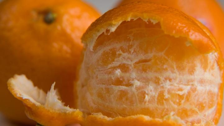 Super-truc! A pus o mandarină la microunde timp de 20 de secunde. Ce s-a întâmplat e uimitor