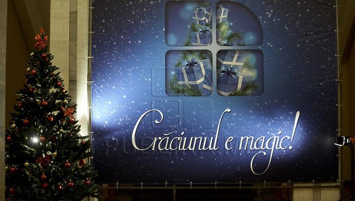 """Emoţii mari la finalul campaniei """"Crăciunul e magic"""", organizată de Publika TV (GALERIE FOTO)"""