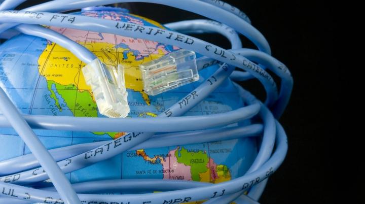Internetul ar putea să dispară în 2014? Ce spun experţii