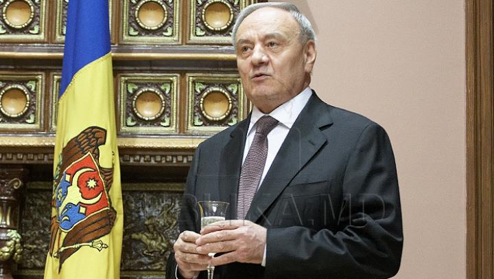Nicolae Timofti îi felicită pe moldovenii care sărbătoresc Crăciunul pe stil nou. IATĂ ce a scris şeful statului