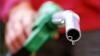 Veşti proaste pentru şoferi: Petroliştii cer PREŢURI MAI MARI la carburanţi, ca urmare a deprecierii leului