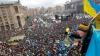 Artă pe Euromaidan! Unii oameni încurajează protestatarii cântând la pian, pictând sau recitând poezii VIDEO