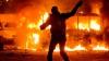 (LIVE-VIDEO/FOTO) Situaţie tensionată la Kiev! De Ziua Unificării s-a vărsat sânge, iar pe străzi au ieşit blindate