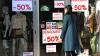 Magazinele de haine şi-au dublat vânzările, după anunţarea reducerilor. Oamenii profită şi îşi înnoiesc garderoba