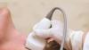 Părinţiii copiilor cu afecţiuni ale glandei tiroide cheltuie lunar mii de lei pentru tratament (VIDEO)