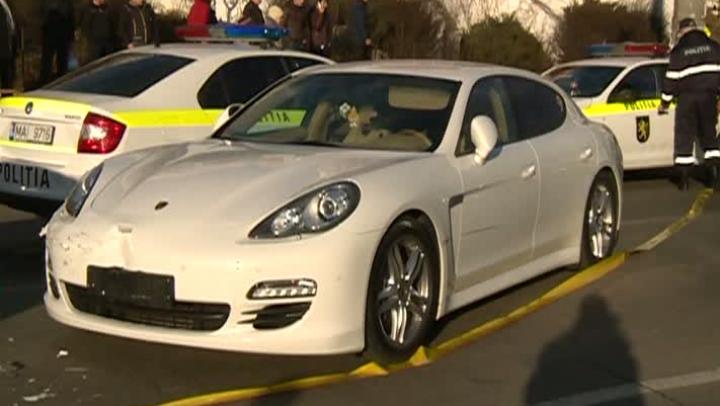Cum este posibil? Vitezomanul cu Porsche-ul, care a lovit ieri un troleibuz şi patru maşini, a scăpat DOAR CU AMENDĂ