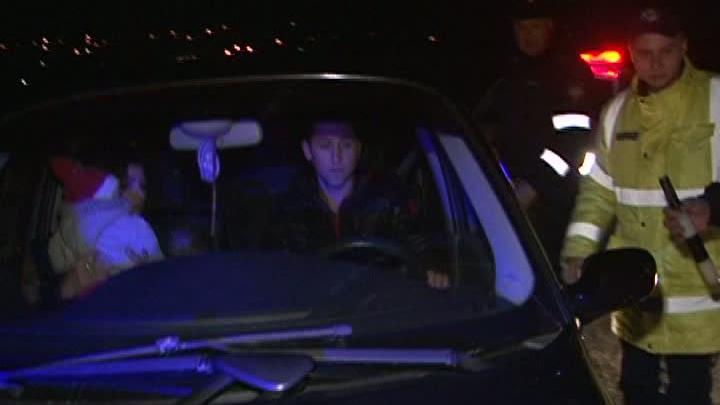 Scene desprinse dintr-un film în raionul Teleneşti. Un poliţist a fost rănit de un şofer DETALII