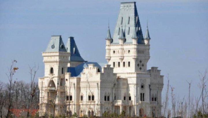 Castelul milionarului Anatol Stati din interior GALERIE FOTO