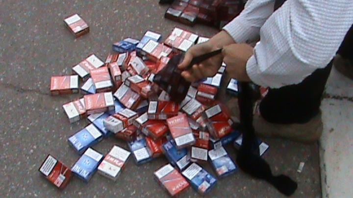 Contrabandă trasă pe sfoară. Zeci de mii de ţigări, trecute peste Prut, au fost confiscate în România