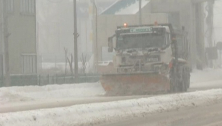 Premieră în România! Meteorologii au emis Cod Roşu de zăpadă şi viscol
