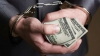 Patru poliţişti din Soroca au fost reţinuţi pentru estorcarea a 3.000 de dolari de la un bărbat