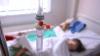 Caz şocant la Briceni! O fetiţă de opt ani a ajuns la spital după ce tatăl vitreg i-a tăiat limba (VIDEO)