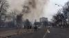 (VIDEO) Război de GUERILLA pe o stradă din Kiev. Mai mulţi PROTESTATARI cad seceraţi după rafale de foc automat