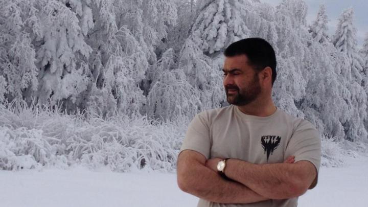 FOTO. Cu barbă şi la bustul gol. VEZI cum s-a călit Vitalie Marinuţă în concediul de iarnă