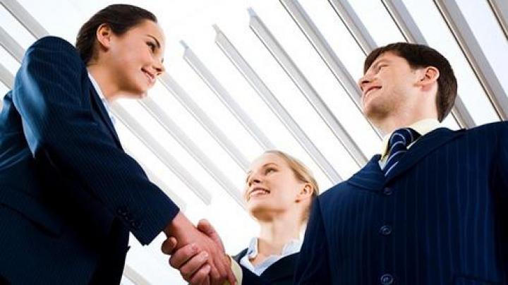 100 de femei de afaceri din țară vor beneficia de finanțare nerambursabilă prin Programului Femei în afaceri