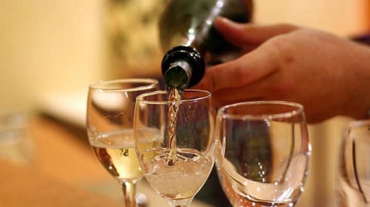 Vrei să ştii mai multe despre licoarea lui Bachus? Zece cursuri de iniţiere în cultura vinului vor avea loc în capitală