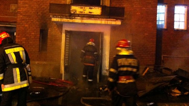 Două persoane din Soroca au fost salvate dintr-un incendiu