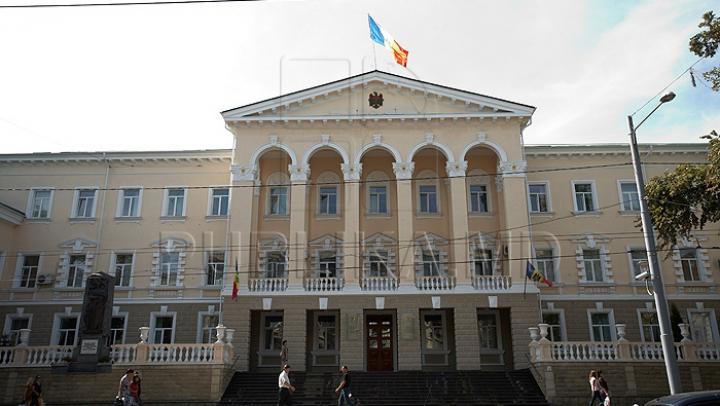SONDAJ: Majoritatea moldovenilor cred că Poliţia de Frontieră este cea mai coruptă instituţie a Ministerului de Interne