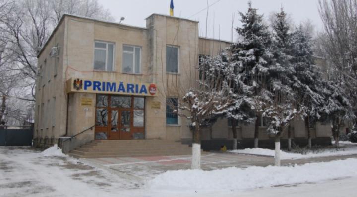 Primarul satului Iargara a intrat în vizorul oamenilor legii. Ce nereguli au depistat membrii CNI