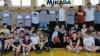 40 de tineri pasionaţi de baschet vor participa la o şedinţă foto cu ambasadorul SUA