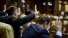 Instanţa urmează să decidă perioadă de arest preventiv pentru cele două persoane care au încercat să mituiască un parlamentar