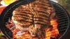 Cum facem carnea la grătar mai sănătoasă? Cercetătorii recomandă o metodă testată ştiinţific