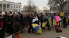 Sute de oameni din întreaga lume au protestat faţă de o posibilă intervenţie a Rusiei în Ucraina