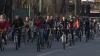 Promovează transportul ecologic: Mai mulţi tineri au făcut turul oraşului pe biciclete (VIDEO)