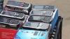 Telefoane mobile contrafăcute, de vânzare în centrul Chişinăului. Poliţiştii se fac a nu observa (VIDEO)