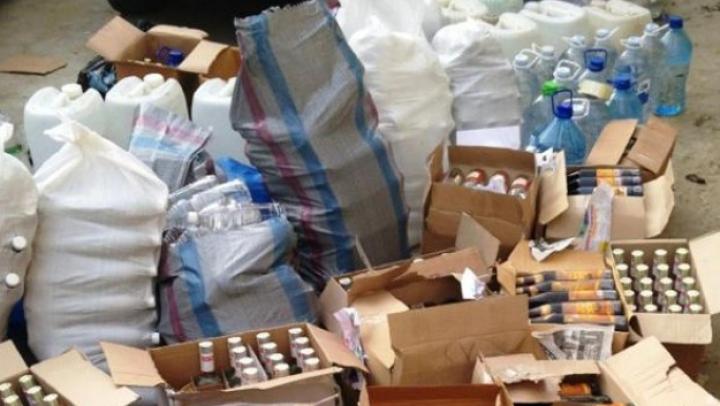 Poliţia a descoperit vodcă şi coniac contrafăcut pe teritoriul capitalei (VIDEO)