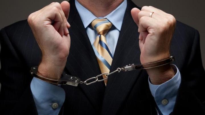 Judecătorii au prelungit mandatul de arest pentru unul dintre oamenii de afaceri reţinuţi în dosarul FISC