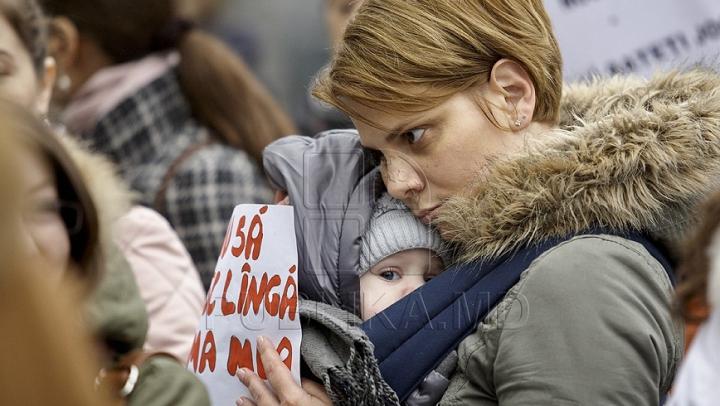 VOTAT! Viitoarele mame vor primi indemnizaţii în baza salariului din ultimele şase luni